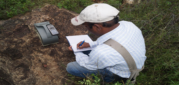 Portable Gamma-ray Spectrometric measurements on outcrop